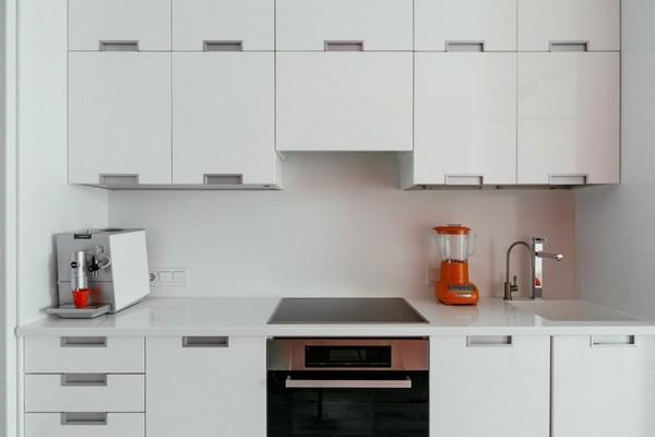 13-white-glossy-kitchen-set-deloria-miele-kitchen-appliances
