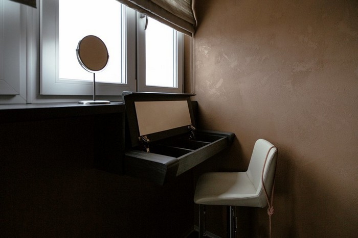 15-brutal-loft-style-window-sill-built-in-dressing-table