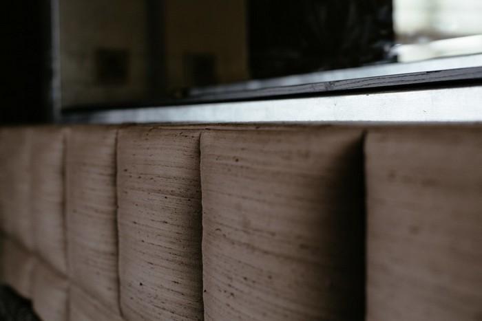 16-brutal-loft-style-bedroom-wild-silk-headboard