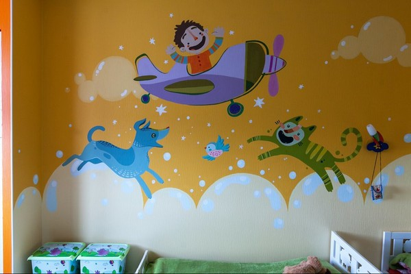 16-minimalistic-Scandinavian-style-apartment-kids-toddler-children-room-bright-wall-painting