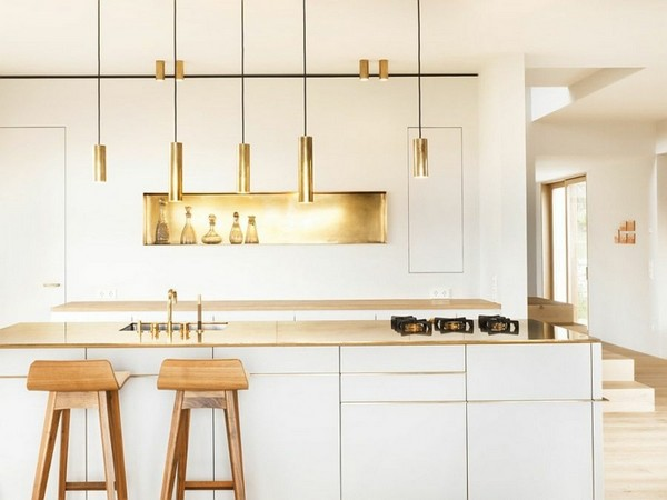 18-golden-elements-gold-in-interior-design-white-scandinavian-style-kitchen