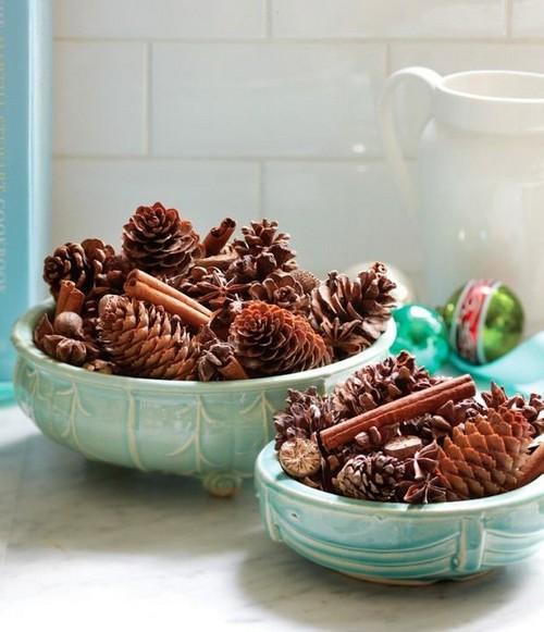 2-2-christmas-table-setting-decoration-composition-pine-cones-cinnamon