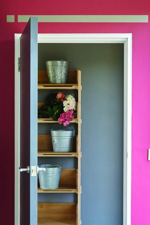 2-trendy-interior-color-spring-2017-farrow-and-ball-Radicchio-pink-walls-gray-door