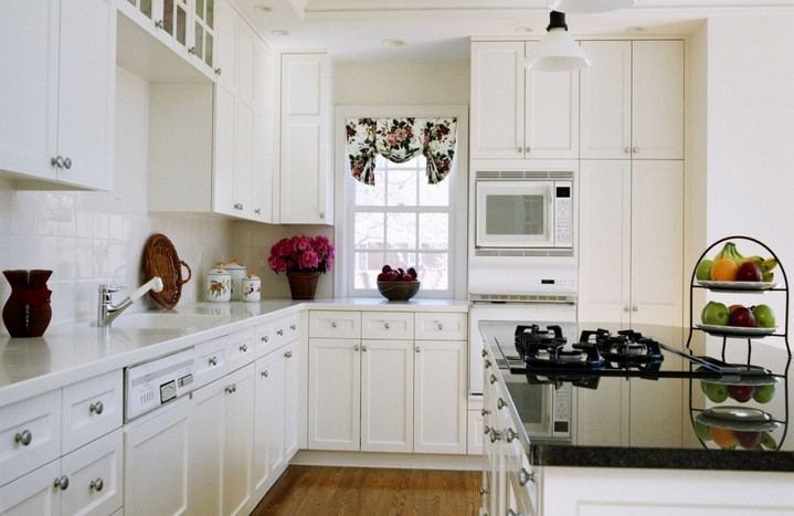 2-white-kitchen-color-accents