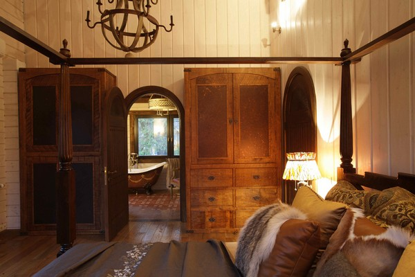 21-vintage-american-country-style-wooden-house-bedroom-wardrobe