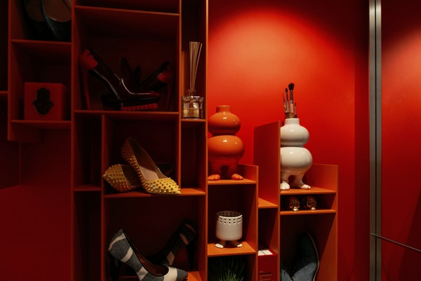 26-red-walls-entrance-hall-shoe-storage-organizer