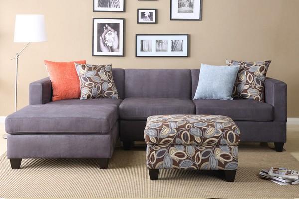 3-2-decorative-couch-pillows-in-living-room-interior-design-ottoman