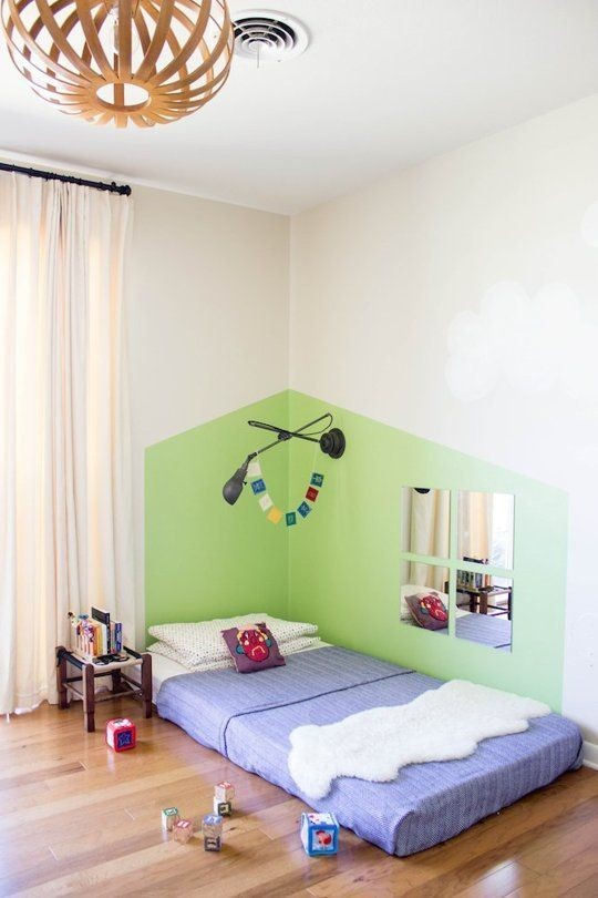 3-2-maria-monterssori-toddler-room-floor-bed-low-mirror