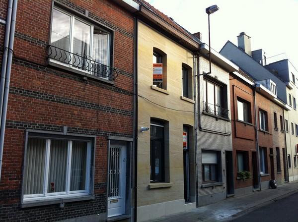 3-6-flexible-sandstone-in-exterior-design-house-facade