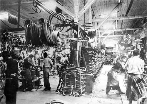 3-bentwood-chair-production-process-factory