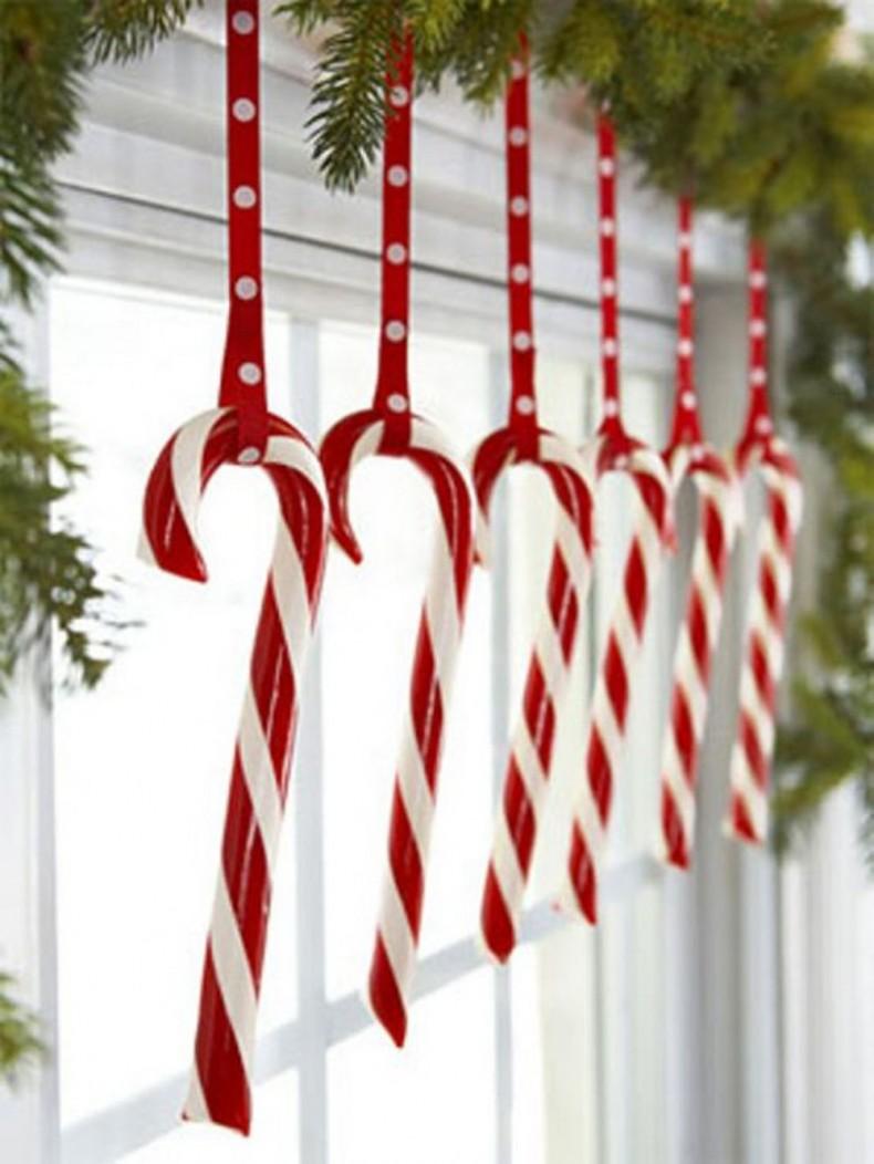 3-christmas-window-decorations-sweets
