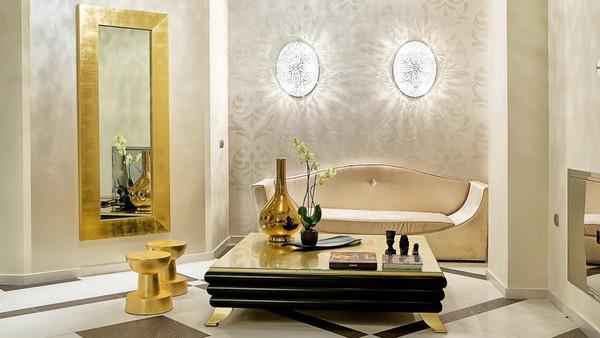 3-golden-elements-gold-in-interior-design-neoclassical-style-mirror-flower-vase-bowl-beige-sofa