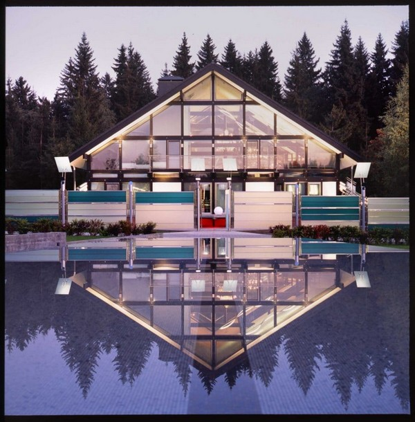 3-unusual-glass-house-panoramic-windows-forest-view