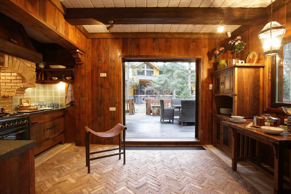 3-vintage-american-country-style-wooden-house-kitchen