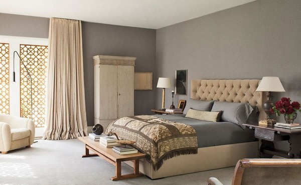 4-2-beige-gray-walls-interior-bedroom-classical-style