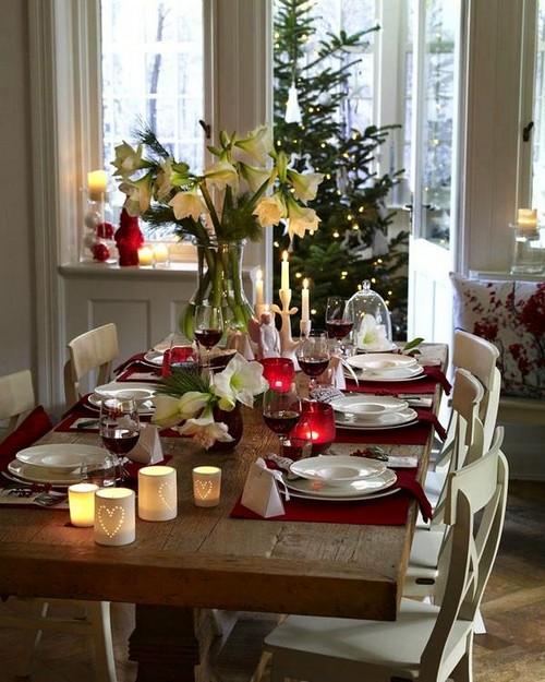 4-2-christmas-table-setting-decoration-composition-live-cut-flowers