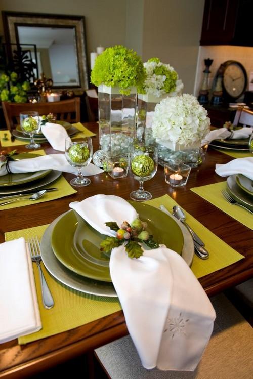 4-3-christmas-table-setting-decoration-composition-live-cut-flowers