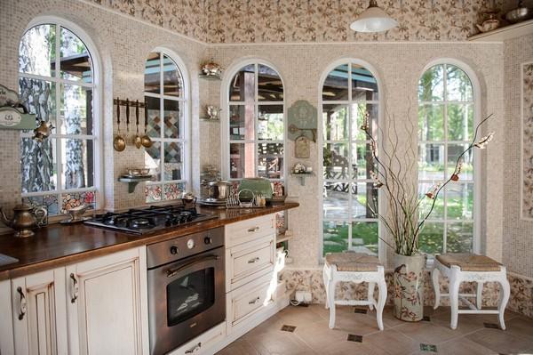 4-cozy-beige-and-turquoise-garden-gazebo-interior-design-summer-kitchen-dining-room-set-bay-windows-mosaic-tiles-retro-lamps-garden-view-vintage-brass-tabelware-decor