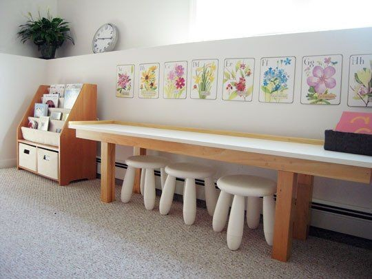 5-0-maria-monterssori-toddler-room-low-table-low-stools