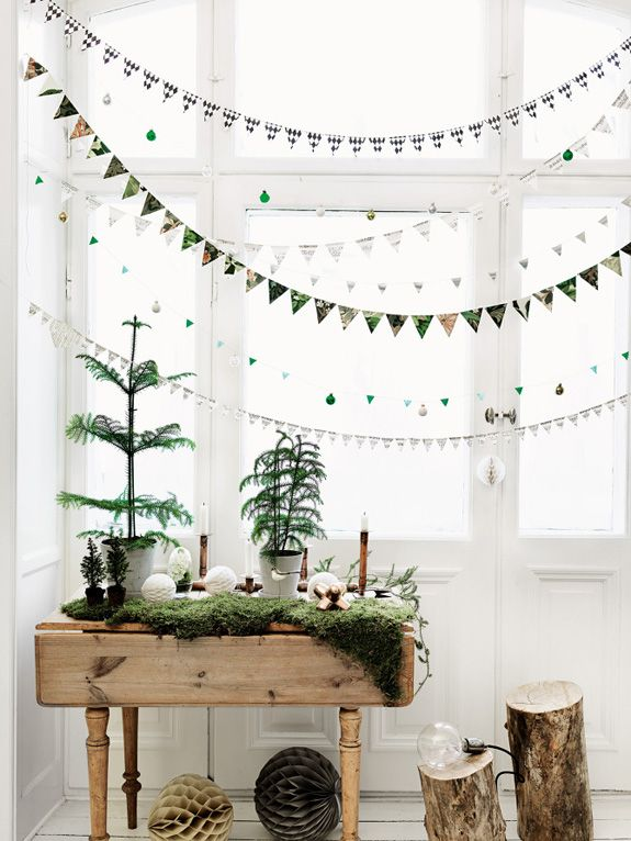 6-1-christmas-window-decorations-flag-garlands