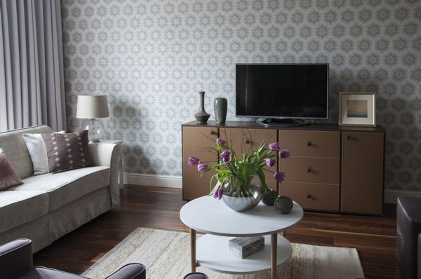 6-1-pastel-lilac-and-beige-interior-design-open-concept-living-room-zoffany-wallpaper-french-walnut-parquet-tulips-traditional-neo-classical-style