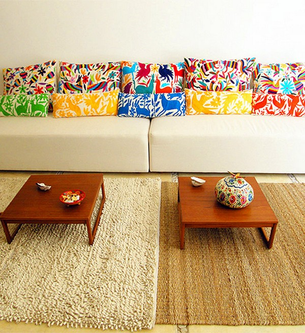 6-2-decorative-couch-pillows-in-living-room-interior-design-natural-ornament