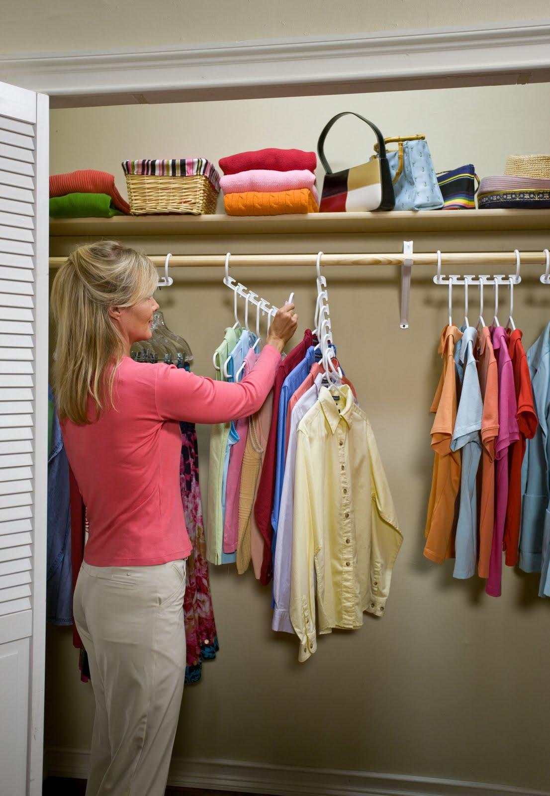 6-interior-for-elderly-woman-closet-clothes