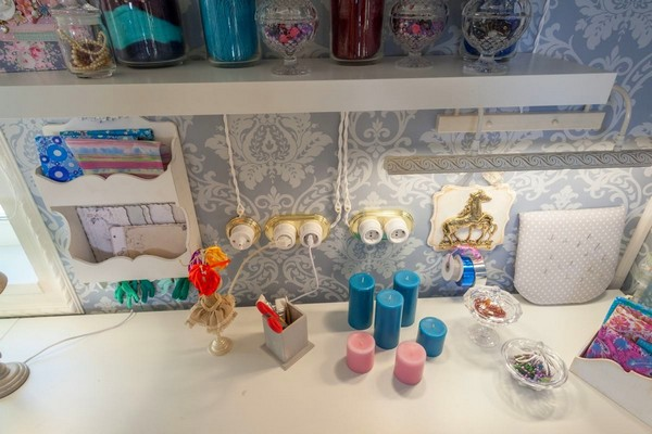 6-provence-gustavian-style-work-room-workshop-grayish-blue-walls-white-wooden-ceiling-wall-decor-desk-open-wiring-retro-creamic-sockets