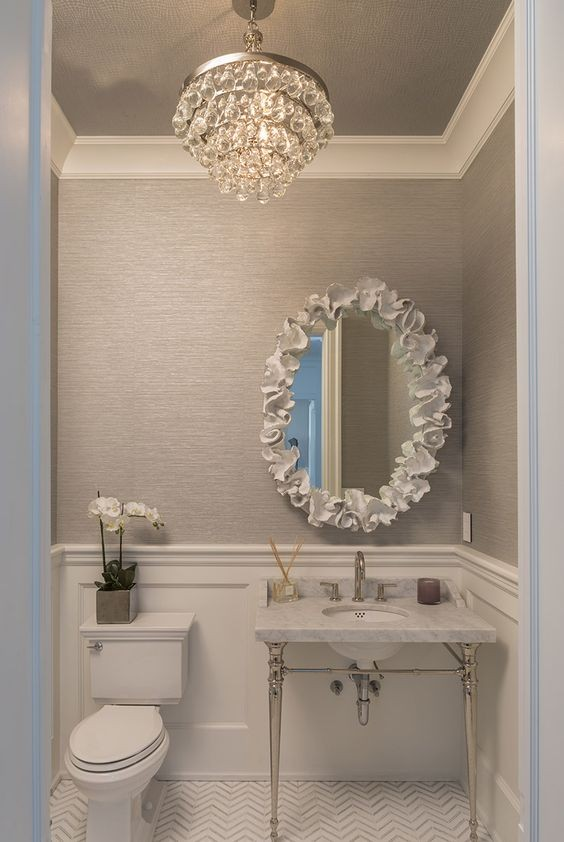 7-bathroom-interior-design-classical-style-furniture-victorian-baseboards-moldings-crystal-chandelier
