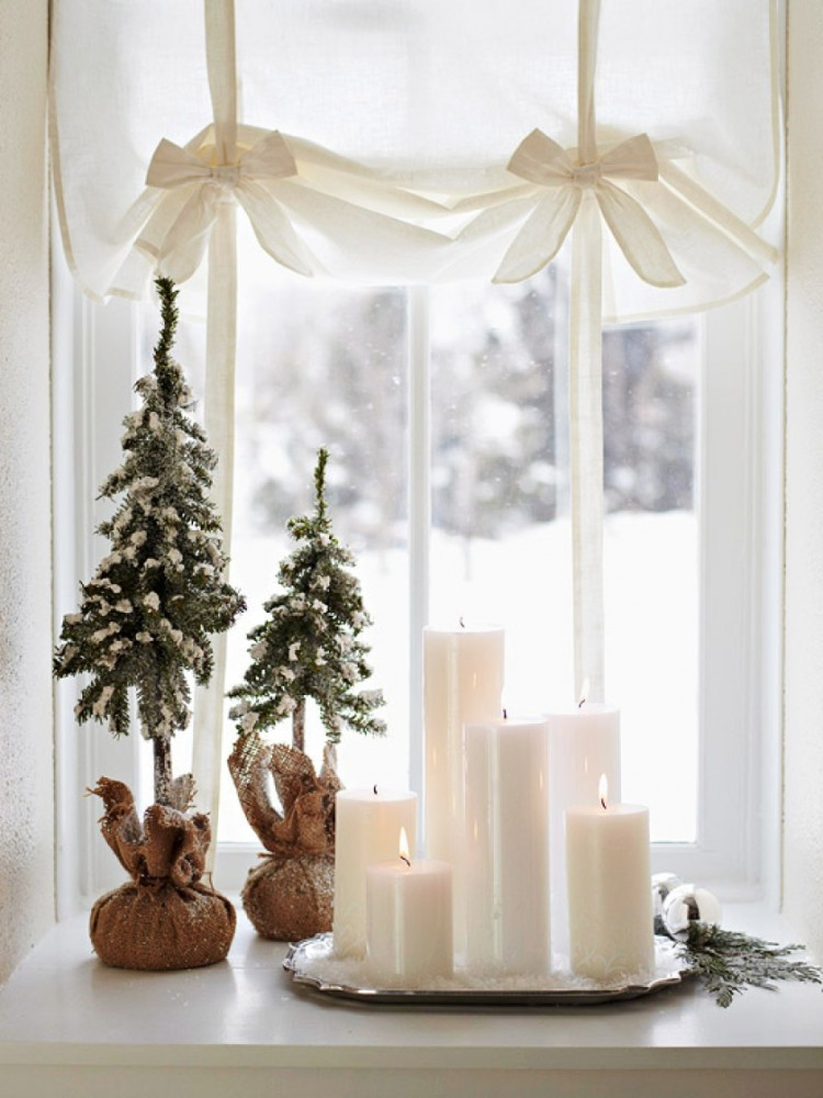 7-christmas-window-decorations-candles-composition