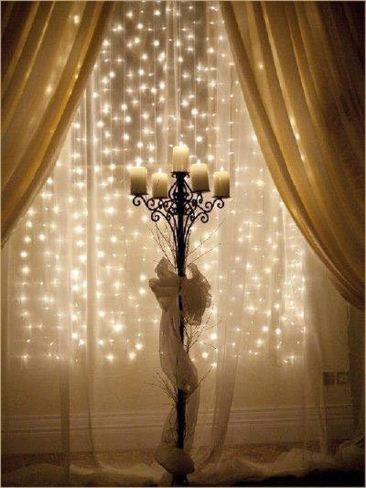 8-christmas-window-decorations-garlands-candles