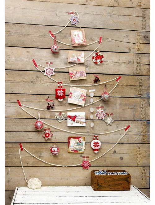 8-diy-hand-made-wall-christmas-treethreads-postcards-wooden-wall