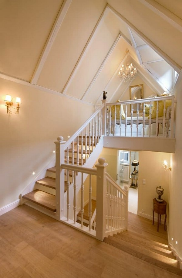 8-world's-smallest-hotel-guinness-book-records-staircase-stairs-white-walls