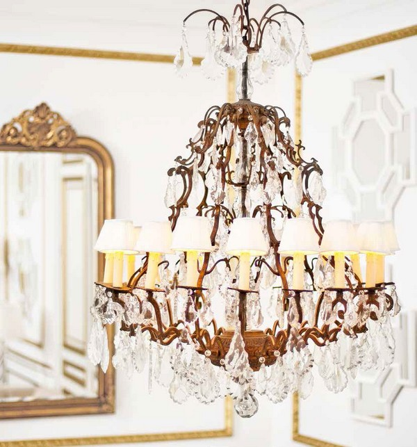 9-golden-elements-gold-in-interior-design-provence-style-crystal-chandelier