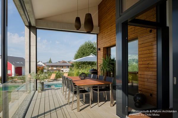 9-swiss-minimalist-modern-house-summer-terrance-outdoor-dining-furniture-set-swimming-pool