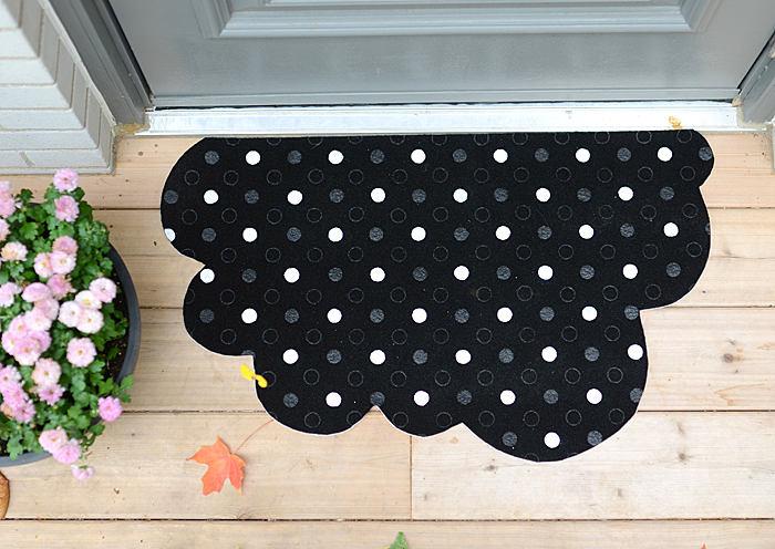 0-DIY-remake-tvis-door-mat-black-IKEA-half-moon-cloud-shaped