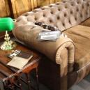 0-English-style-interior-design-green-desk-lamp-capitone-chester-sofa-home-decor-interior-accessories-at-Maison-&-Objet-2017-exhibition-trade-fair