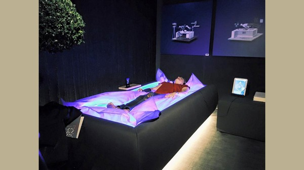 1-Zerobody-innovative-wellness-technology-SPA-dry-bathtub-bed-zero-gravity-floating-effect-relaxation
