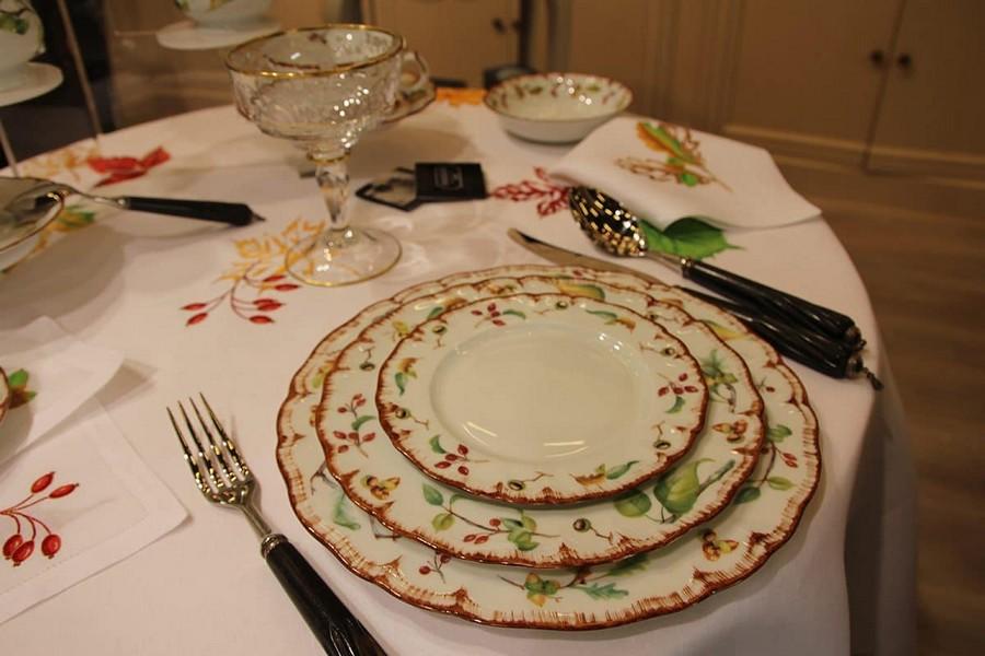 10-Fradkof-Paris-luxury-tableware-kitchen-table-settings-design-at-Maison-and-&-Objet-2017-Exhibition-trade-fair-Paris-floral-motives