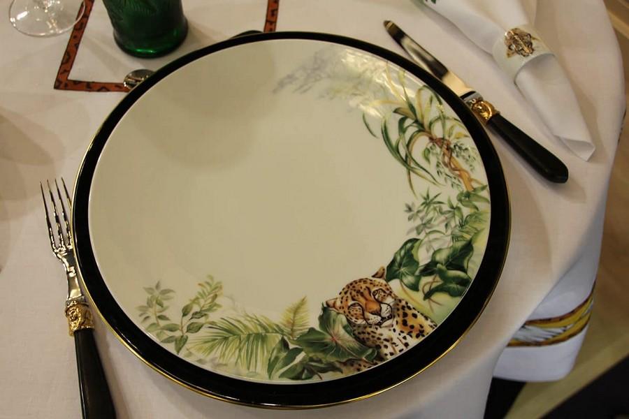 12-Fradkof-Paris-luxury-tableware-kitchen-table-settings-design-at-Maison-and-&-Objet-2017-Exhibition-trade-fair-Paris-tiget-golden-cutlery