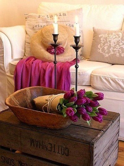 12-beautiful-romantic-table-setting-for-Valentine's-Day-ideas-candles-purple-tulips