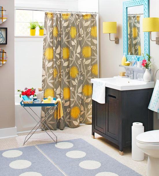 13-cheerful-white-blue-gray-and-yellow-bathroom-interior-design