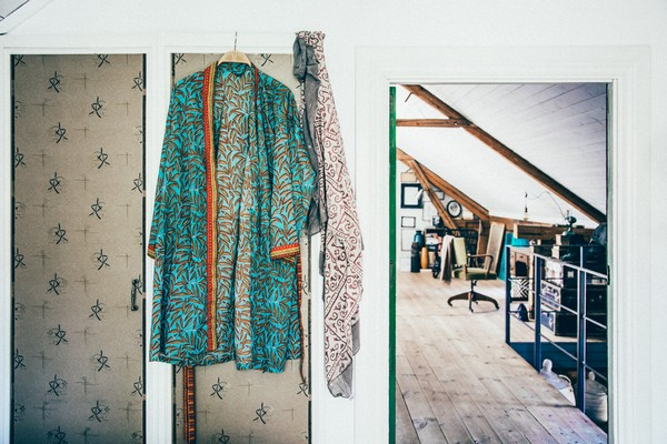 17-Scandinavian-Sweden-bohemian-boho-chic-style-interior-design-bedroom-wardrobe
