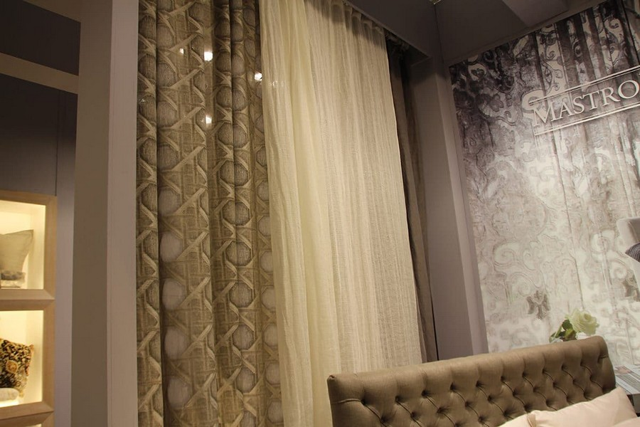 19-Mastro-Raphael-home-textile-at-Maison-&-Objet-2017-exhibition-trade-fair-beige-and-white-natural-curtains