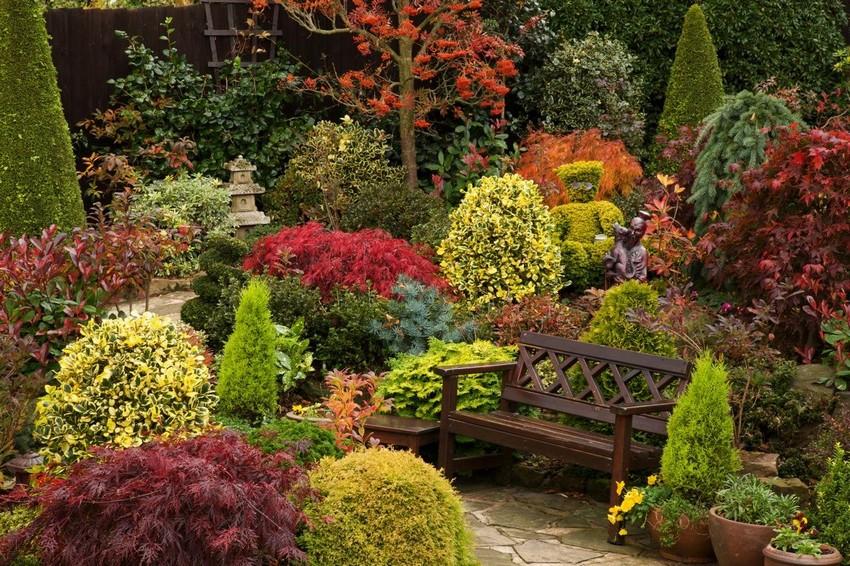 2-2-beautiful-Japanese-garden-stone-path-wooden-bench