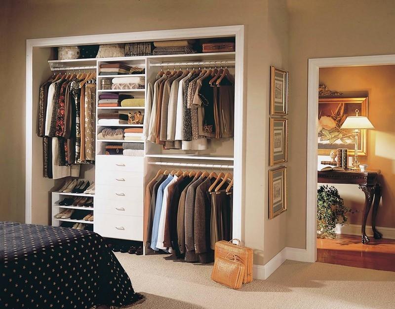 2-neat-tidy-walk-in-closet-wardrobe-in-the-bedroom