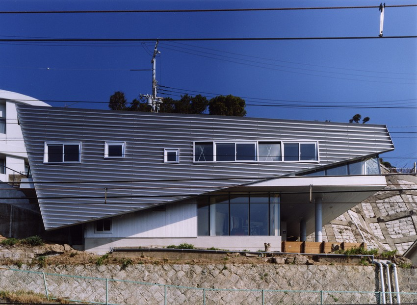 """2-world's-narrowest-houses-Rooftecture S""""-by-Shuhei-Endo-in-Kobe-Japan-on-the-rock-edge-sea-view-exterior--unusual-architecture"""