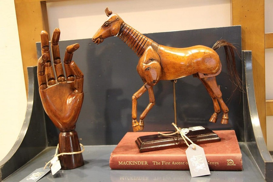 25-Authentic-Models-wooden-horse-arm-figurines-home-decor-interior-accessories-at-Maison-&-Objet-2017-exhibition-trade-fair