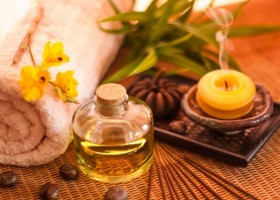 4-3-home-aromatherapy-accessories-tools-scents-fragrances-odour-vanilla-scented-candle-bedroom-aroma