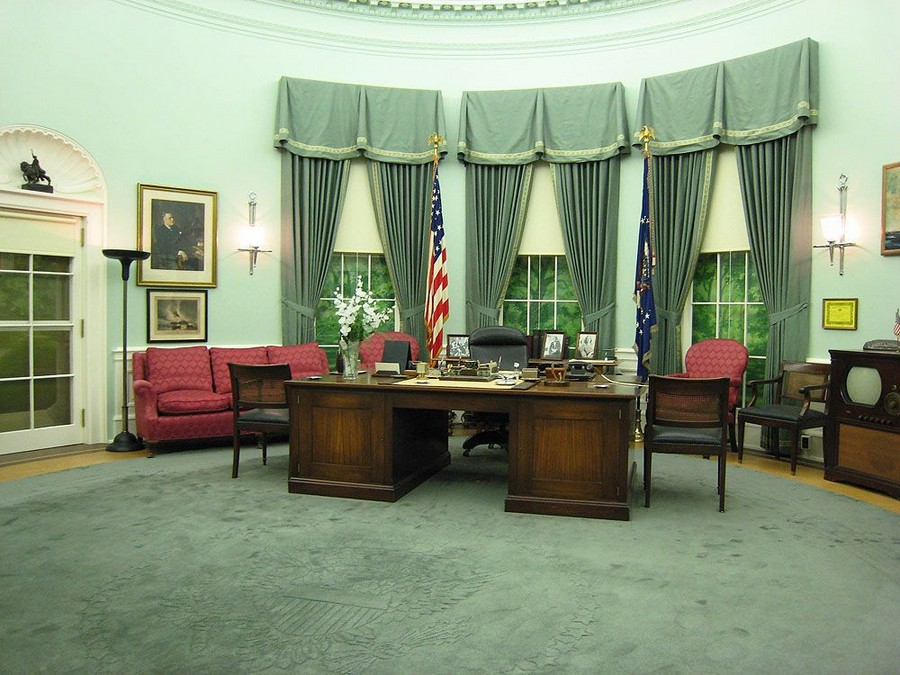 4-Harry-Truman-the-Oval-Office-White-House-interior-design-neo-classical-style